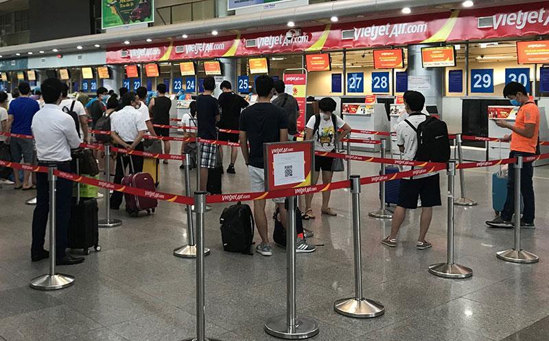 Đưa hơn 800 khách từ tâm dịch Đà Nẵng trở về nhà