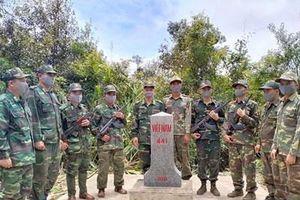 Việt Nam – Lào tuần tra bảo vệ đường biên, cột mốc