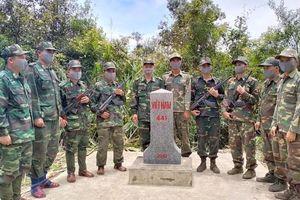 Tuần tra song phương bảo vệ biên giới Việt Nam - Lào