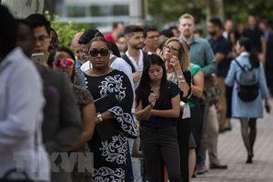 Mỹ: Số lao động xin trợ cấp lần đầu đã giảm dưới 1 triệu mỗi tuần