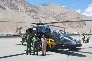 Ấn Độ đưa 2 nguyên mẫu trực thăng LCH tới biên giới với Trung Quốc
