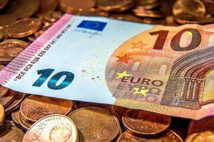 Tỷ giá euro hôm nay 13/8: Vietcombank (VCB) tăng 185,22 đồng chiều bán ra