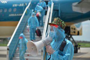 Hơn 300 du khách mắc kẹt ở Đà Nẵng đã về đến sân bay Tân Sơn Nhất