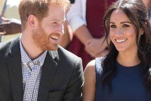 Meghan Markle tiết lộ lý do vừa gặp đã yêu say đắm Hoàng tử Harry, mới ra mắt sách đã mua nhà triệu đô
