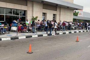 Đưa hơn 340 công dân Việt từ Angola về nước