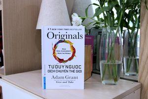 Tư duy ngược dịch chuyển thế giới: Cuốn sách dạy cách thay đổi bản thân