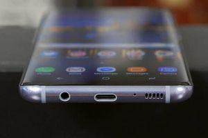 Samsung muốn mang trở lại một tính năng mà Apple đã từng khiến bao người điêu đứng