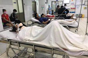 Ô tô đâm hàng loạt xe máy ở Bình Thạnh: 1 nạn nhân dập phổi