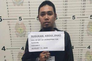 Trùm khủng bố chặt đầu con tin ở Philippines đầu thú vì mất cánh tay