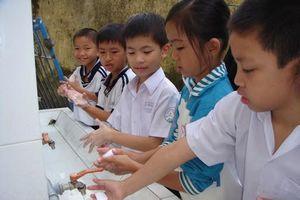 Trường học tạo điều kiện giúp học sinh phòng tránh dịch Covid-19
