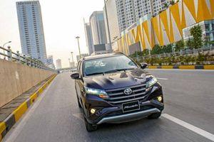 Toyota Rush xác lập vị thế trong phân khúc SUV 7 chỗ, gầm cao