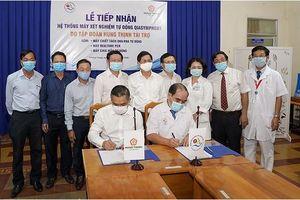 Tập đoàn Hưng Thịnh tặng máy xét nghiệm tự động cho bệnh viện tại Khánh Hòa