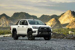 Chi tiết xe Toyota Hilux 2020 phiên bản Advanture cao nhất