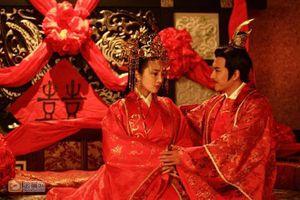Vì sao các phi tần xưa không được để lộ đôi chân trước mặt hoàng đế Trung Quốc?
