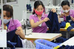Số lao động mất việc làm có thể tăng khoảng 100.000 người mỗi tháng