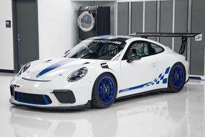 Đấu giá Porsche 911 GT3 phiên bản xe đua
