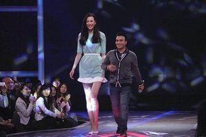 Nữ thần bóng rổ TQ khó có bạn trai vì chiều cao 1,95 m