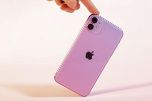 iFan thất vọng vì phiên bản giá rẻ của iPhone 12 cao chót vót