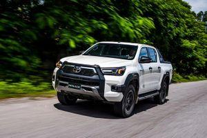 Toyota Hilux 2020 ra mắt tại Việt Nam với giá từ 628 triệu đồng