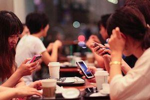 Tung hê 'bóc phốt' chồng ngoại tình trên facebook chỉ là 'mồi nhậu' cho đám đông