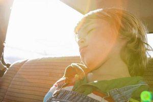 Bi kịch cha mẹ đãng trí khiến con chết ngạt trong ô tô lại xảy ra
