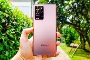 Mở hộp Galaxy Note20 Ultra chính hãng tại Việt Nam: Thiết kế vuông vắn, cụm camera ấn tượng