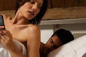 Chiêu phụ nữ giấu việc ngoại tình cực đỉnh khiến cánh đàn ông nằm mơ cũng không nghĩ đến