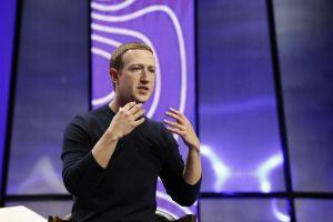 Facebook tham gia chỉ trích Apple