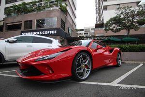 Cường Đô la 'xách' Ferrari F8 Tributo hơn 20 tỷ dạo phố Sài Gòn