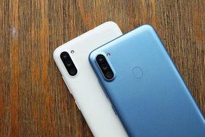 Cận cảnh smartphone Samsung 3 camera sau, pin 4.000 mAh, giá 3,69 triệu tại Việt Nam