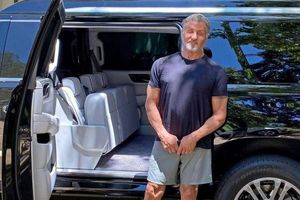 Cựu sao Hollywood rao bán Cadillac Escalade với giá 350 nghìn USD