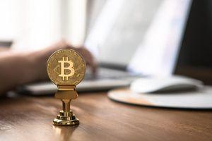 Giá Bitcoin hôm nay 17/8: Bitcoin chạm mốc 11.800 USD
