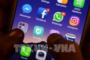 Facebook thông báo dỡ bỏ hàng trăm tài khoản của nhóm cánh hữu QAnon