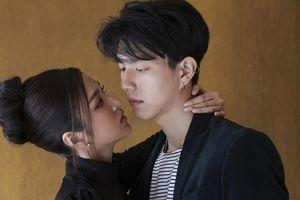 Tìm hiểu về Bright Norraphat và Ferny Nopjira - cặp diễn viên chính trong 'Điên thì có sao' bản Thái Lan
