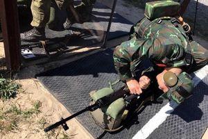 Lính bắn tỉa Việt Nam nhận súng AK-74, SVD... khai hỏa tại Army Games 2020