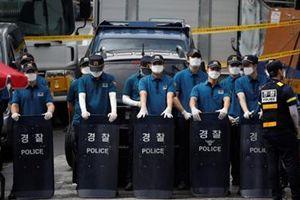 Vừa tái áp đặt giãn cách, Hàn Quốc ghi nhận số ca COVID-19 mới kỷ lục
