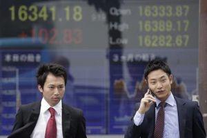 Chỉ số Nikkei 225 chạm mức cao nhất trong sáu tháng phiên 25/8