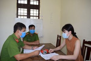 Hưng Yên: Bắt 'nữ quái' làm giả con dấu để chiếm đoạt hơn 240 triệu đồng