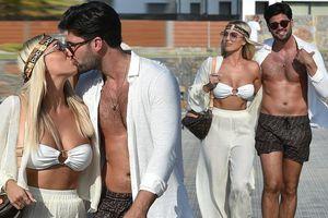 Sao truyền hình 9x mặc bikini quây tí hon nóng bỏng, khóa môi bạn trai nồng nàn