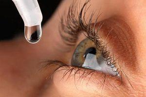 Cảnh báo đục thủy tinh thể do tự ý mua thuốc nhỏ mắt