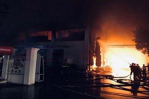 Cháy lớn tại kho đồ gia dụng của Công ty Sunhouse miền Nam