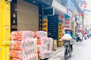 'Ngân hàng địa phủ' ở Hà Nội đìu hiu khác lạ gần lễ Vu Lan