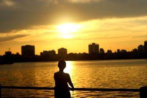 Thủ đô Hà Nội dịu dàng trong nắng vàng đầu Thu