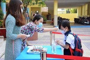 Hơn 1,7 triệu học sinh Thành phố Hồ Chí Minh tựu trường bước vào năm học 2020-2021