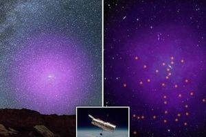 Thiên hà sẽ đâm sầm vào chúng ta tỏa 'hào quang ma' màu tím