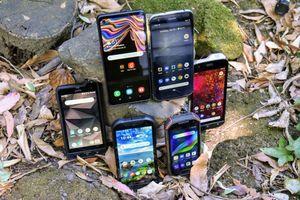 'Hãy ngừng mua smartphone siêu mỏng'