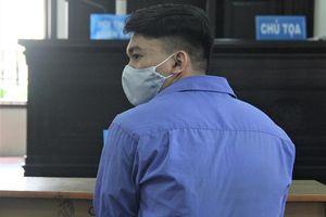 Thai phụ bị tra tấn bằng dây xích