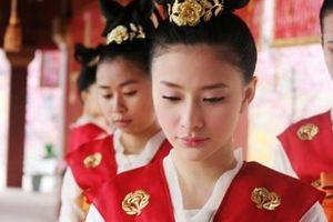 Cuộc sống của cung nữ Trung Hoa cổ đại: Cô độc, tìm cách giết thời gian mỗi đêm dài sau khi phục vụ vua và các phi tần