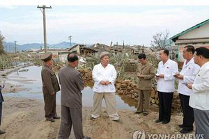 Ông Kim Jong-un thị sát bão, cách chức nóng cán bộ