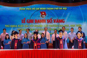 Hà Nội: Ghi danh sổ vàng 88 thủ khoa tốt nghiệp xuất sắc